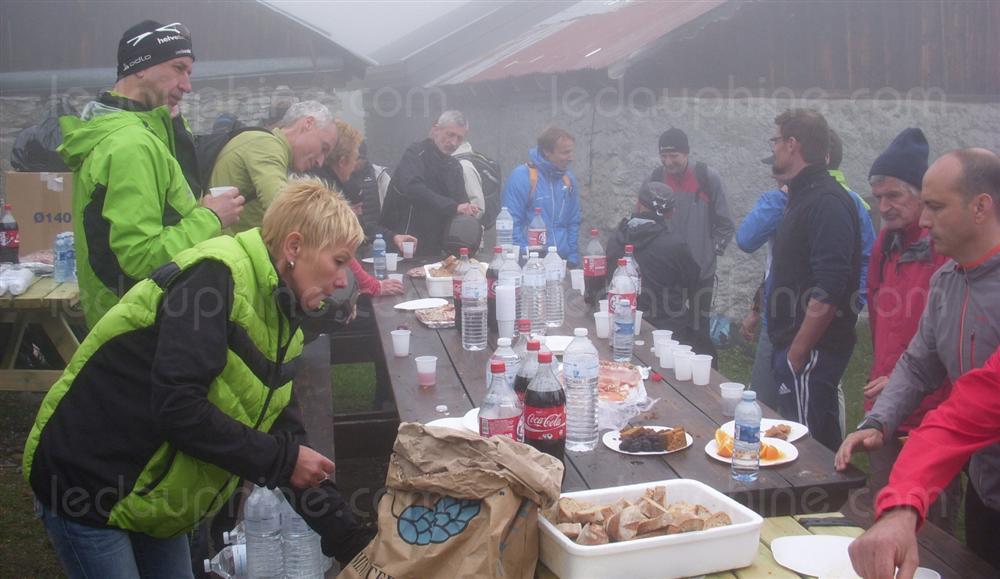 buffet-et-brouillard-au-menu-des-coureurs