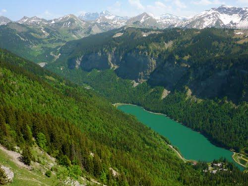 30380-le-lac-de-montriond-vu-du-saix-travesci-24-05-2009