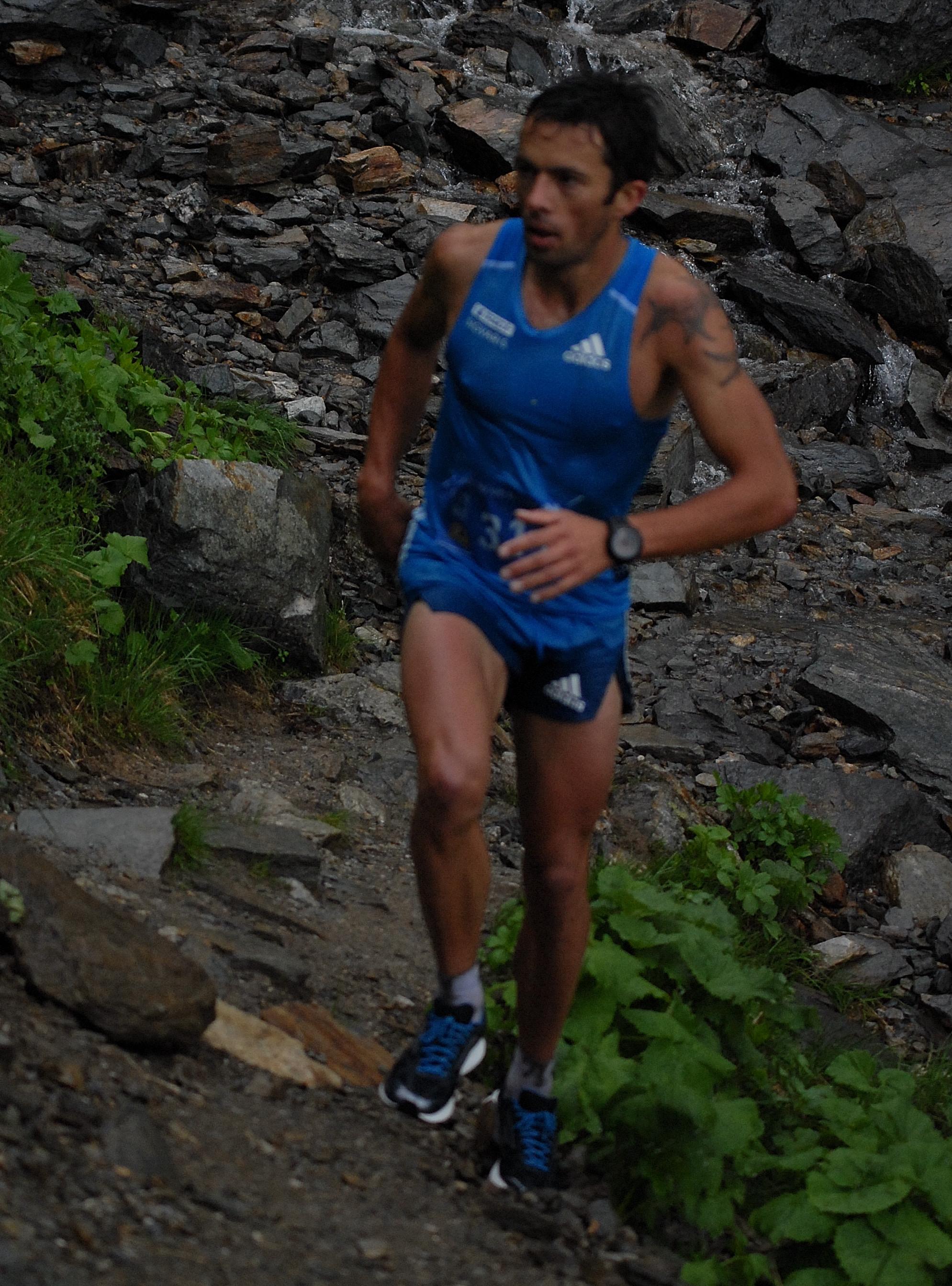 Course en montagne Sylvain Court escalade