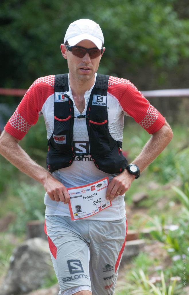 2 François D'Haene vainqueur Grand Raid de la Réunion 2013 crédit JP VIDOT