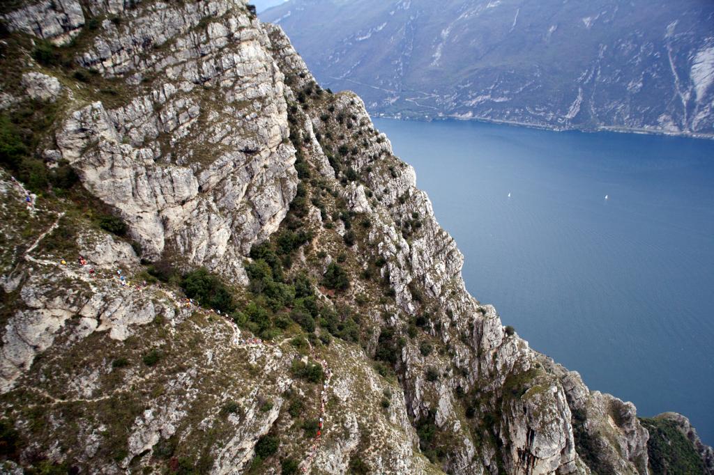 Le lac de Garde et ses montagnes © ISF