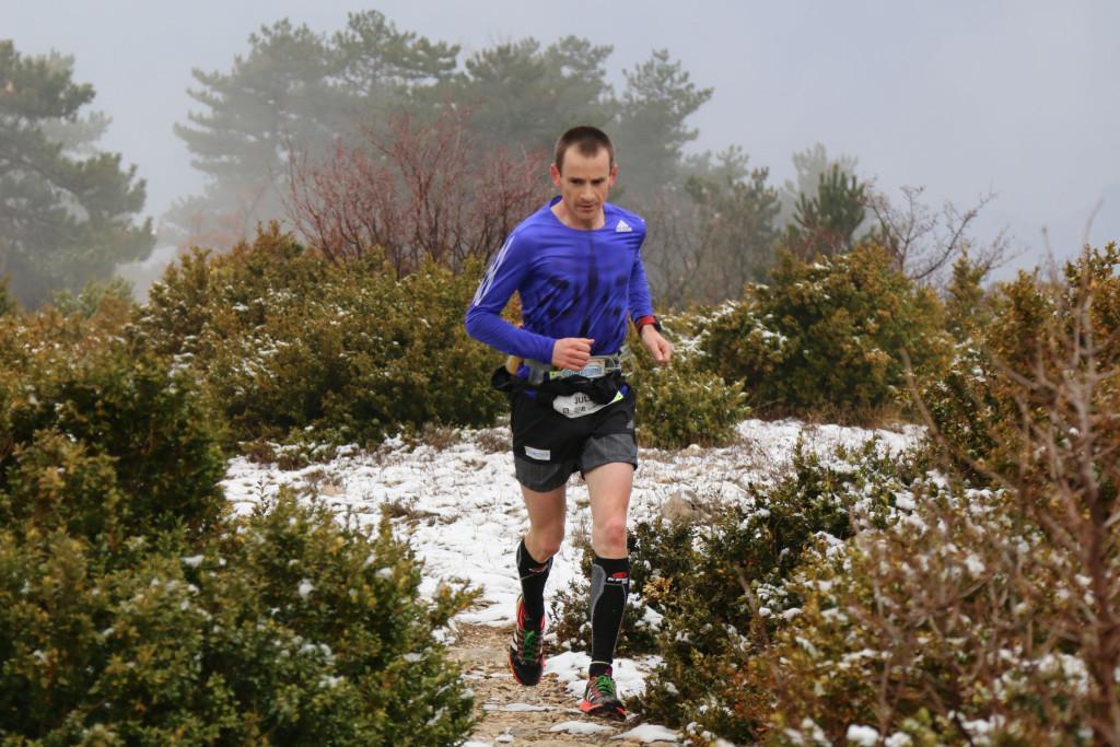1 Julien Rancon 1er 44 km trail du Ventoux 2015 photo Robert Goin 1024x683 - Ergysport Trail du Ventoux : Céline Lafaye et Julien Rancon, vainqueurs du 44km (par Robert Goin) / 15-03-15