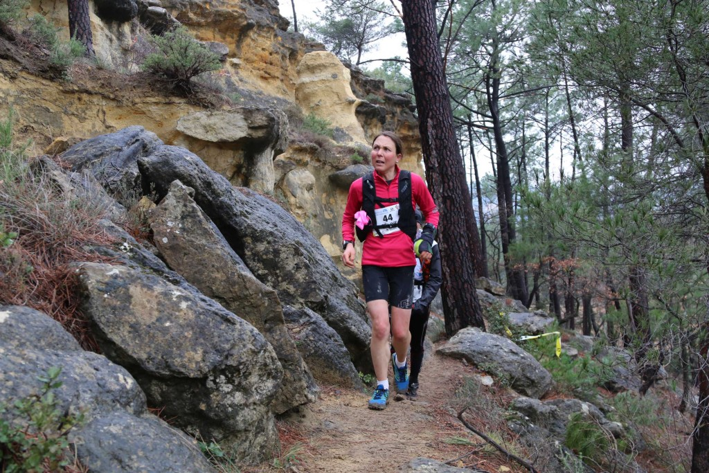 2 Céline Lafaye 1ère 44 km trail du Ventoux 2015 photo Robert Goin