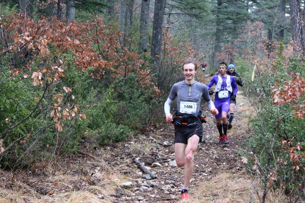6 Andy Symonds le bonheur en courant photo Robert Goin 1024x683 - Ergysport Trail du Ventoux : Céline Lafaye et Julien Rancon, vainqueurs du 44km (par Robert Goin) / 15-03-15