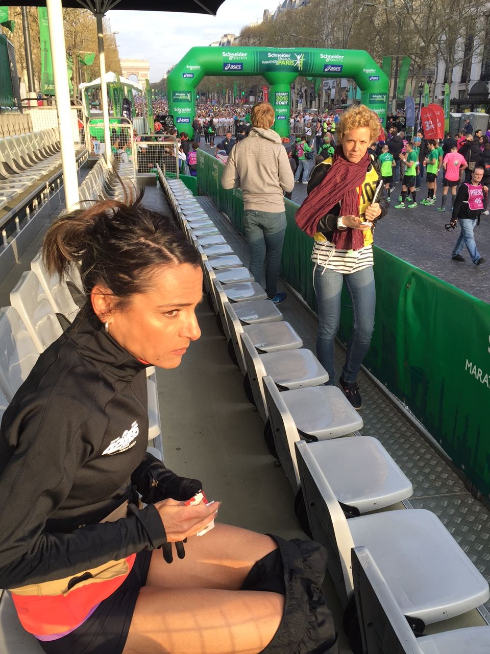 photo 11 - ALINE CAMBOULIVES A 43'' DE SON RECORD PERSONNEL AU MARATHON DE PARIS / 12-04-15