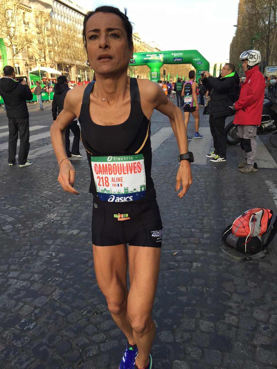 photo 3 - ALINE CAMBOULIVES A 43'' DE SON RECORD PERSONNEL AU MARATHON DE PARIS / 12-04-15