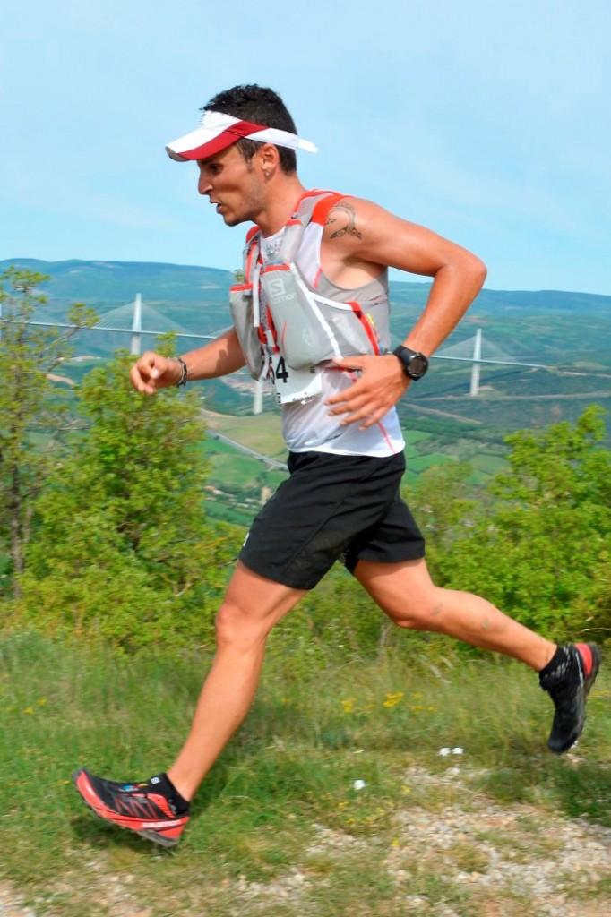 5 42 km Verticausse Julien Navarro photo Akunamatata 682x1024 - SKYRUNNER FRANCE SERIES : Le classement provisoire après la VERTICAUSSE du 10 mai.