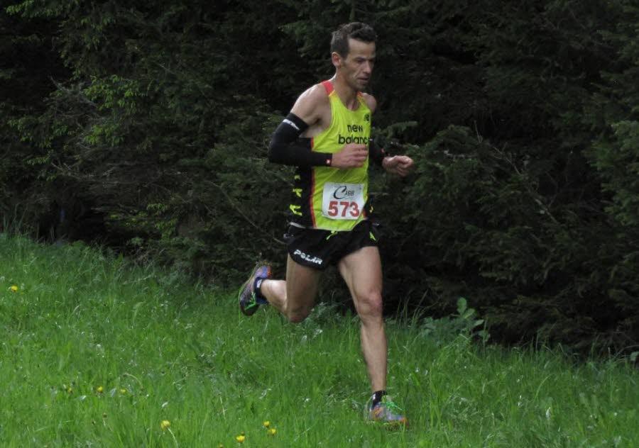 le lyonnais cedric fleureton a ecrase la concurrence a trois semaines des championnats de france de course en montagne - LA MONTEE DU CRET D'EAU : LES RESULTATS, LES PHOTOS DE JEAN-CLAUDE ET DE GORAN, LES VIDEOS D'EMMANUEL / 17-05-15