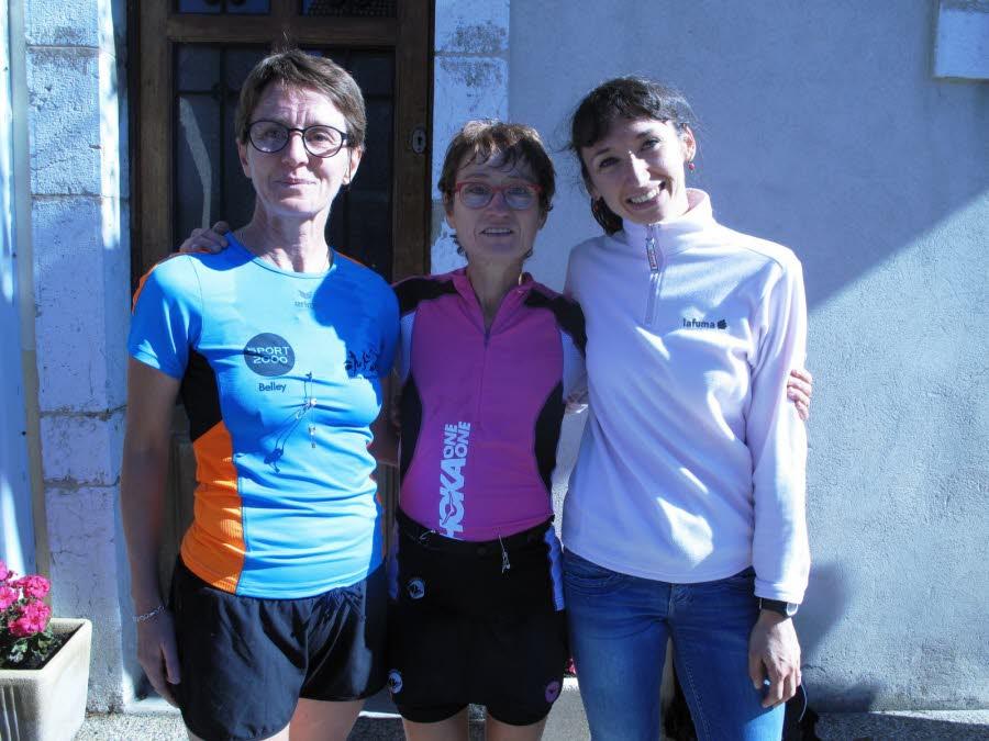le-podium-feminin-avec-de-gauche-a-droite-corinne-leclerc-(3-e)-michelle-leservoisier-(1-er)-et-julie-faure-(2-e)