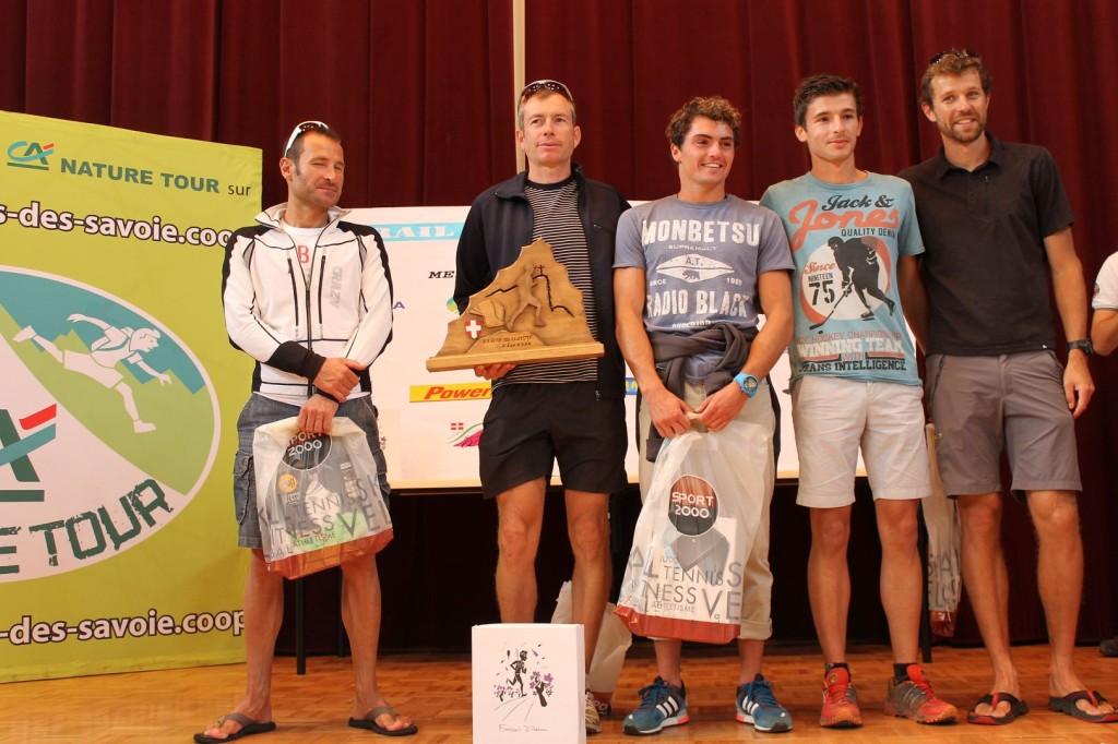 Le podium hommes avec la présence de François D'Ha