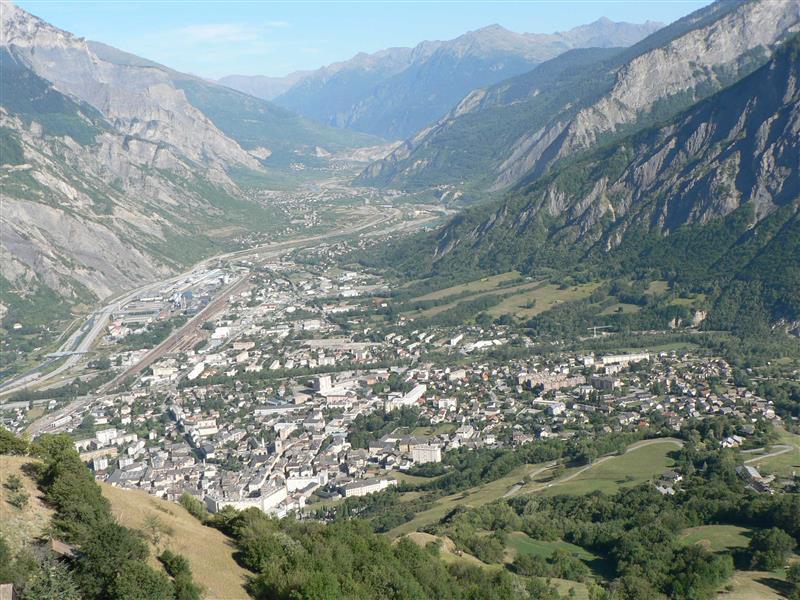 img - Résultats et compte rendu du 10km de Saint-Jean-de-Maurienne : les trailers Ludo Pommeret et Maud Gobert à la fête ! / 18-10-15