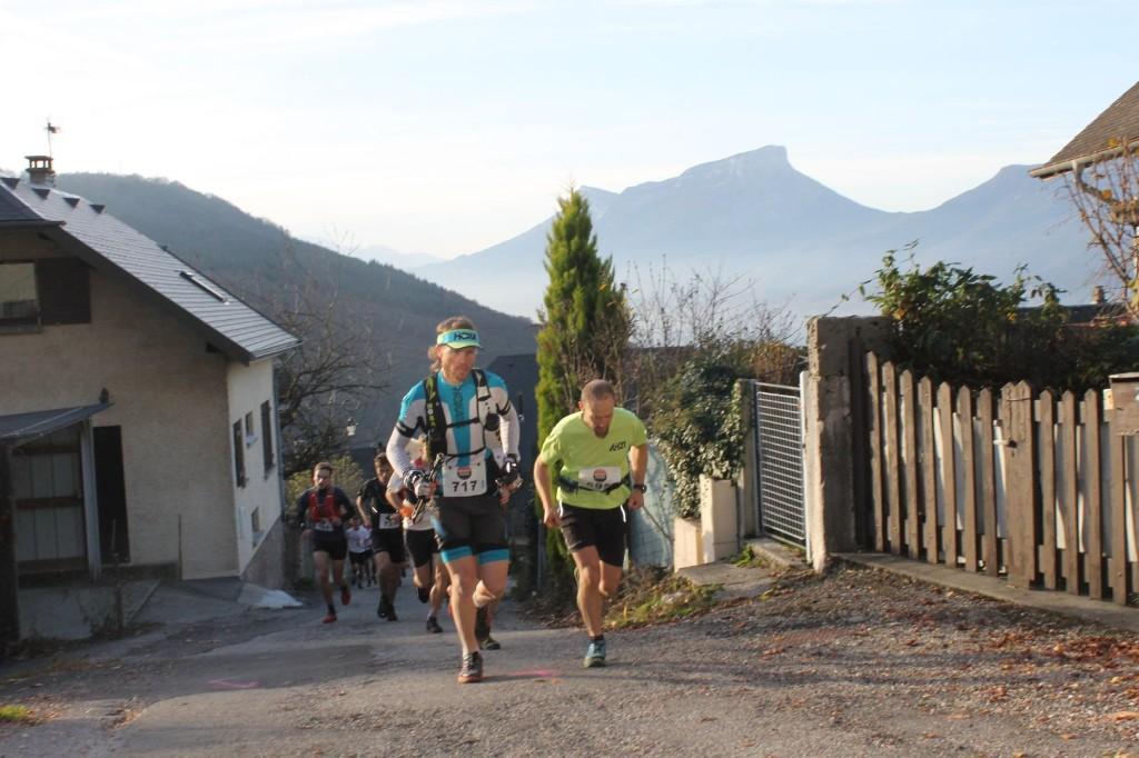 départ 23km Matthieu brignon 1024x682 - RESULTATS, COMPTE RENDU ET PHOTOS DE LA SANGE'RUN (reportage « TPS Infos » d'Alexandre Garin) / 15-11-15