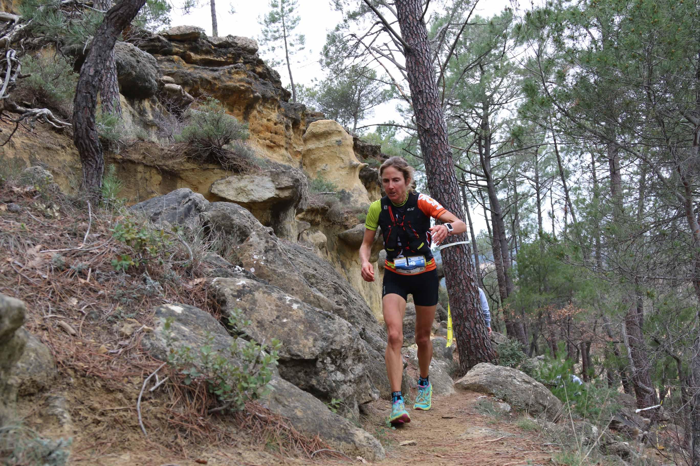 1 Caroline Chaverot vainqueur 46 km photo Robert Goin - ZOOM SUR... L'ERGYSPORT TRAIL DU VENTOUX 2016