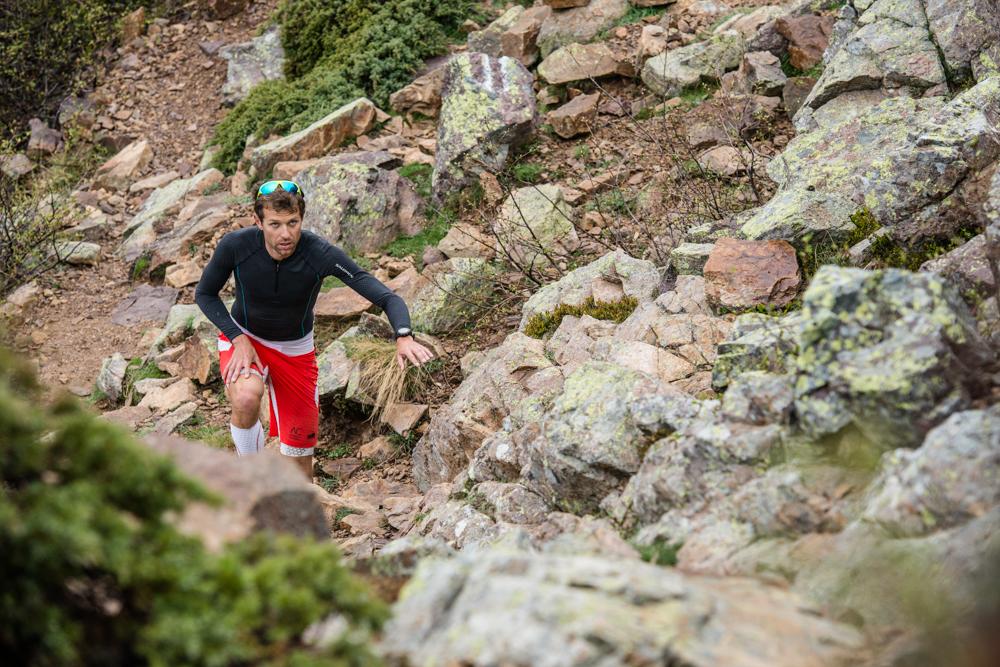 1 François D'Haene en action sur le GR20 photo Damien Rosso www.droz-photo.com