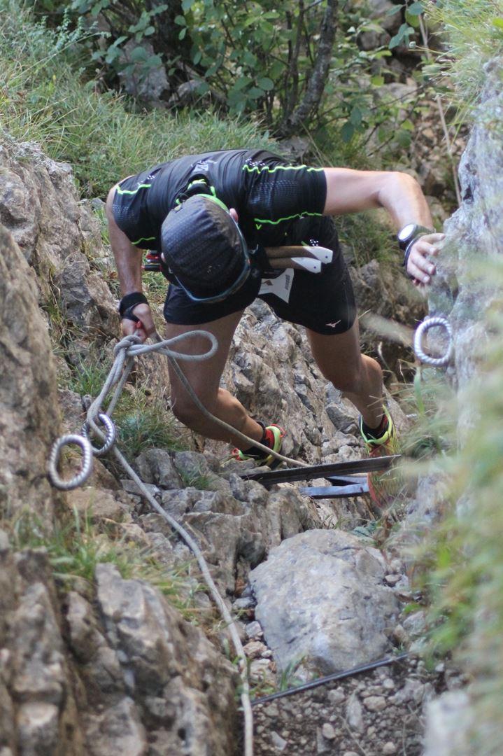 """coureur dans le passage des échelles - RESULTATS ET COMMENTAIRES DE LA 3EME EDITION DE LA """"NIVOLET CLASSIC"""" Saint Alban de Leysse (73)"""