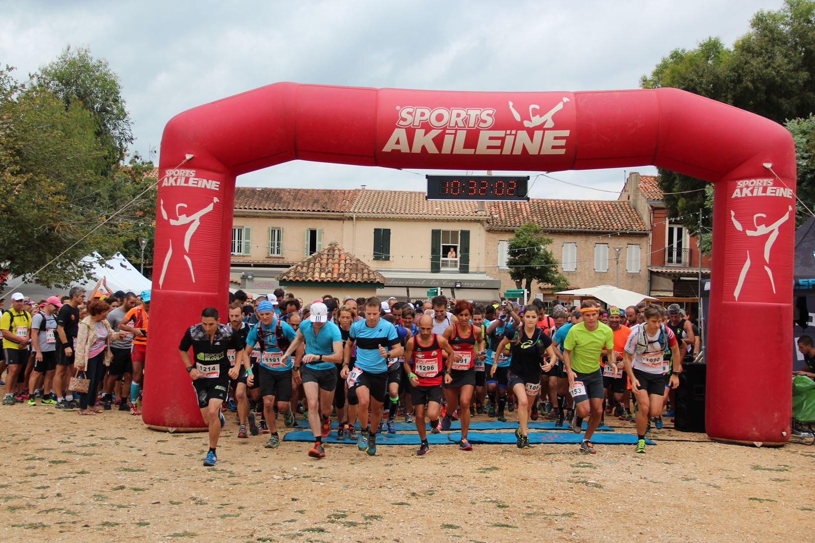 copie 0 2. D®part 20 - DECOUVERTE : LA 3EME EDITION DU TRAIL DE PORQUEROLLES (83) -01-10-2016