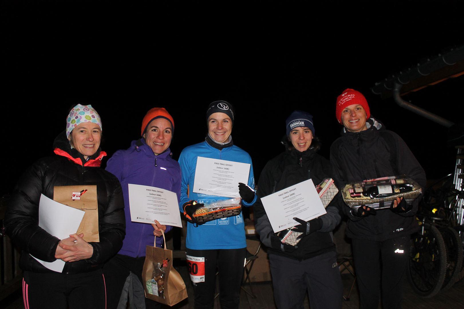 Remise des prix 16km dames - Trail des 7 Laux 2016- ©Alex Garin