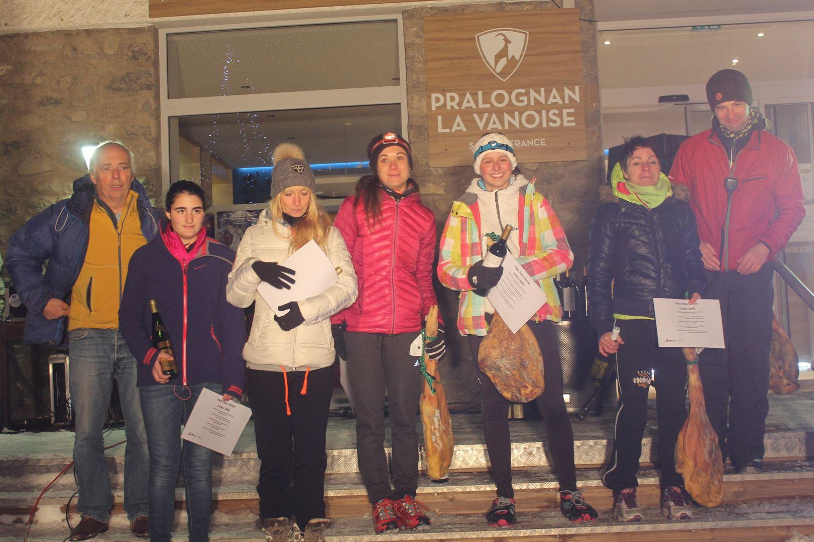 podium femmes du 8km - RESULTATS, COMMENTAIRES, PHOTOS DU TRAIL DE L'INUIT - PRALOGNAN LA VANOISE 73 - 21-01-2017