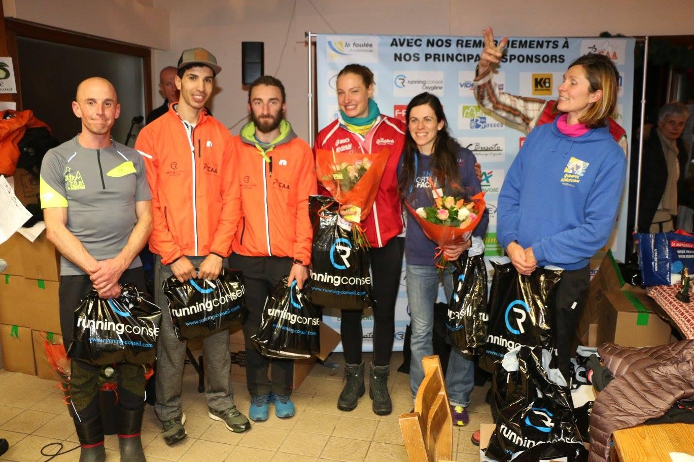 Podiums scratchs avec de gauche à droite Roland Claverie, Mohamed Boulama, Sylvère Pruvost, Hélène Darragon, Lucile Besson et Morgane Cretton. ©EAA