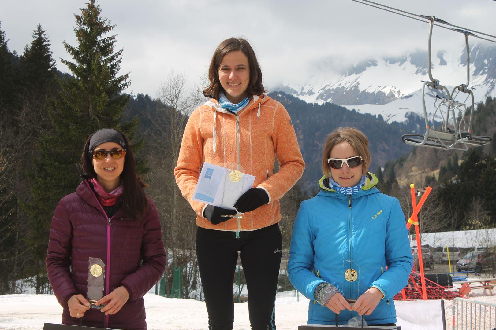 Podium Femmes parcours expert - RESULTATS ET REPORTAGE SUR LA 8EME EDITION DE l'ARAVIS SNOW TRAIL  (LA GIETTAZ 73)