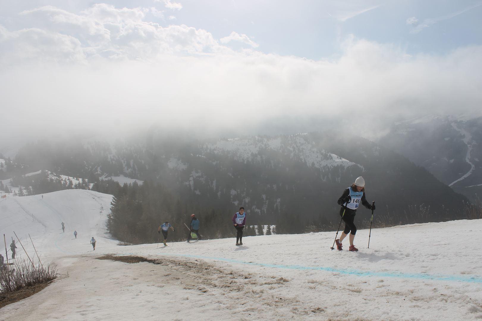 percée du soleil au sommet - RESULTATS ET REPORTAGE SUR LA 8EME EDITION DE l'ARAVIS SNOW TRAIL  (LA GIETTAZ 73)
