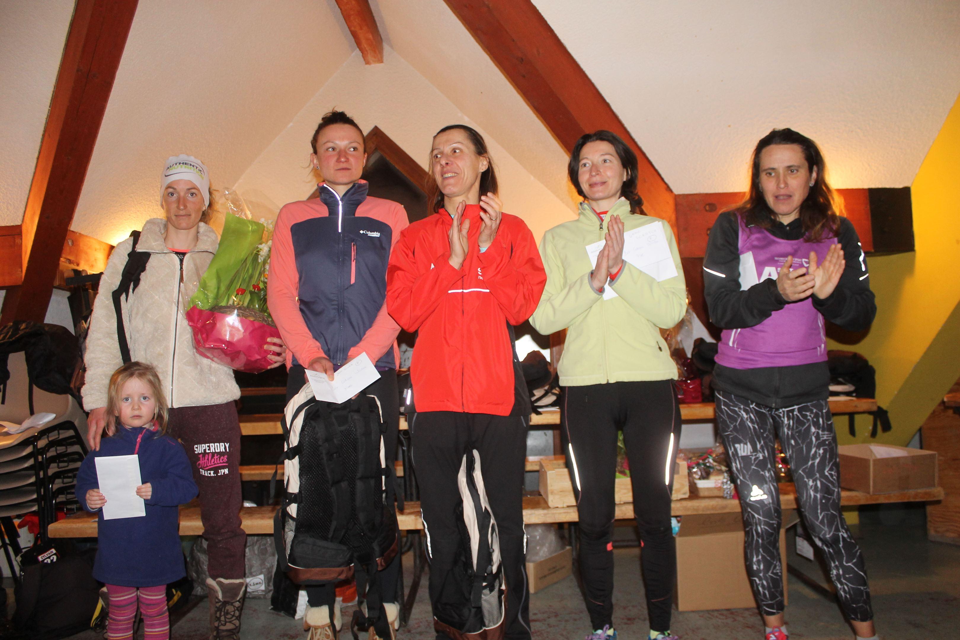 copie 0 podium féminin - RESULTATS, PHOTOS ET COMMENTAIRES DU TRAIL DE LA FÉE BLANCHE (LES AILLONS MARGERIAZ 73) 24-02-2018