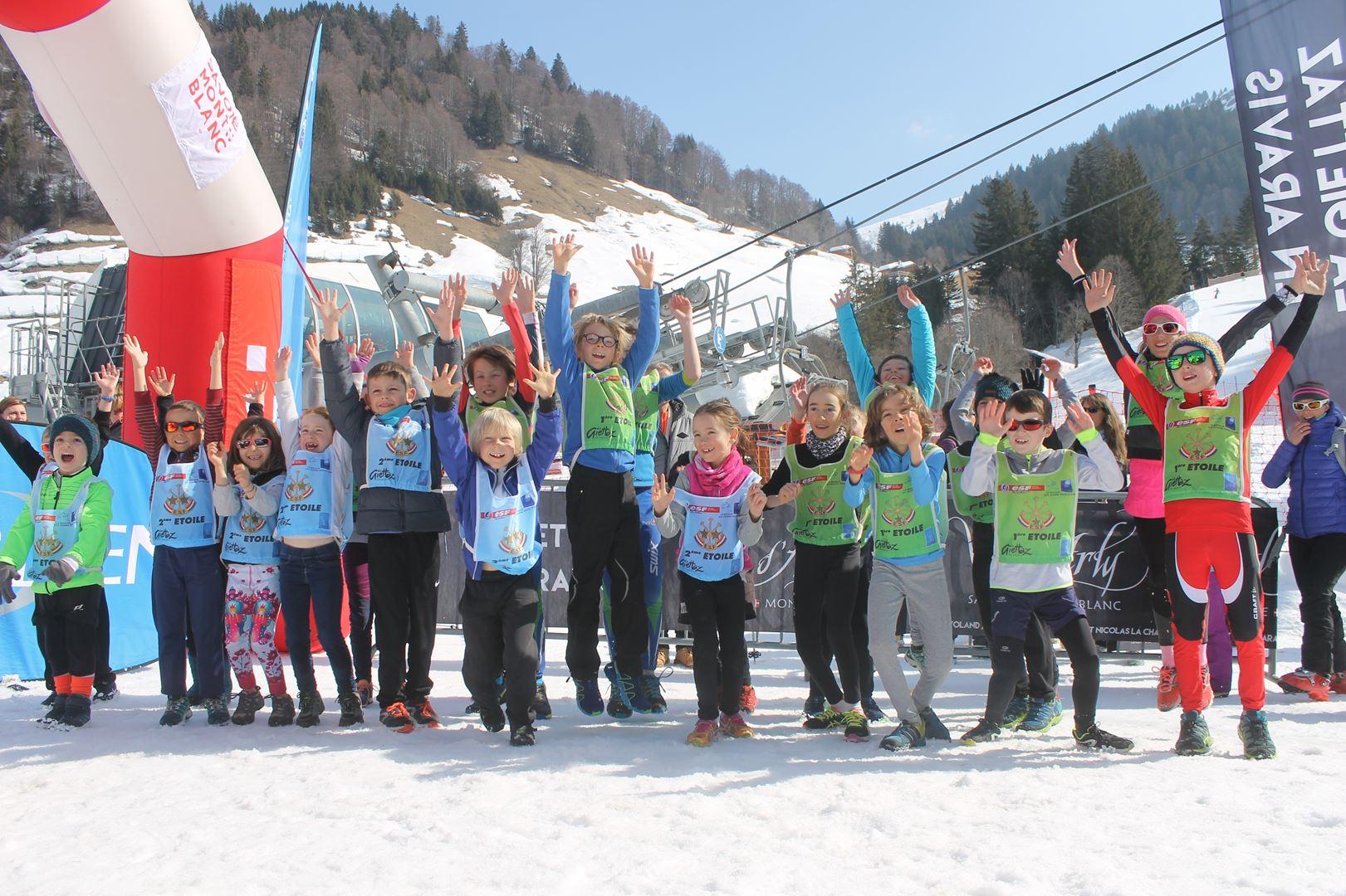 echauffement course enfants 1 - RESULTATS PHOTOS ET COMPTE RENDU DU 9EME ARAVIS SNOW TRAIL (La Giettaz73) 25-03-2018