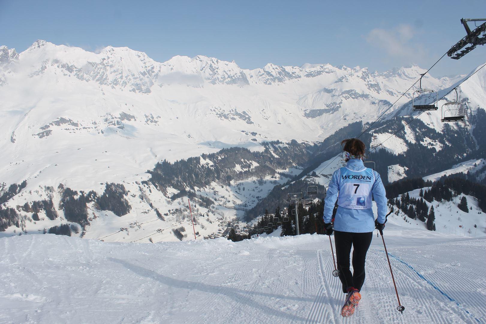 on aborde la descente sur le 12km 1 - RESULTATS PHOTOS ET COMPTE RENDU DU 9EME ARAVIS SNOW TRAIL (La Giettaz73) 25-03-2018