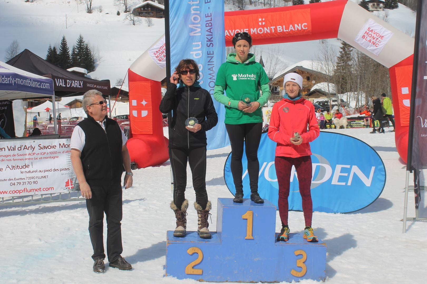 podium femmes du 12km 1 - RESULTATS PHOTOS ET COMPTE RENDU DU 9EME ARAVIS SNOW TRAIL (La Giettaz73) 25-03-2018