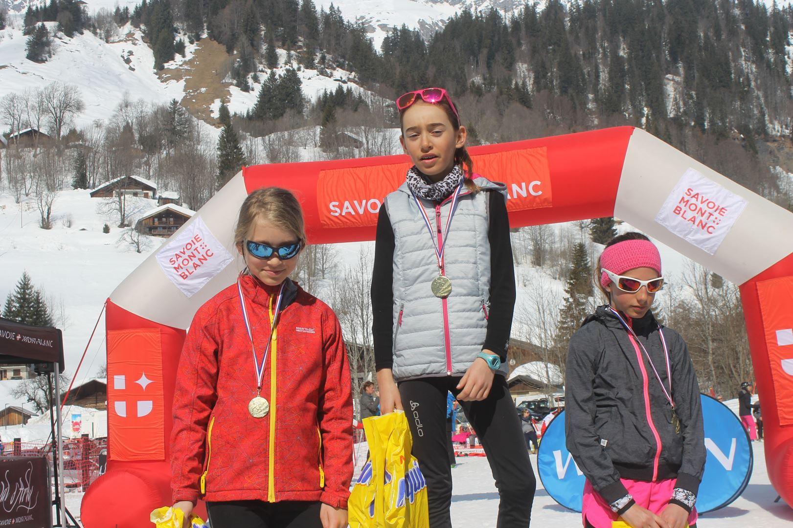 podium filles trail des croés filles 8 à 11 ans 1 - RESULTATS PHOTOS ET COMPTE RENDU DU 9EME ARAVIS SNOW TRAIL (La Giettaz73) 25-03-2018