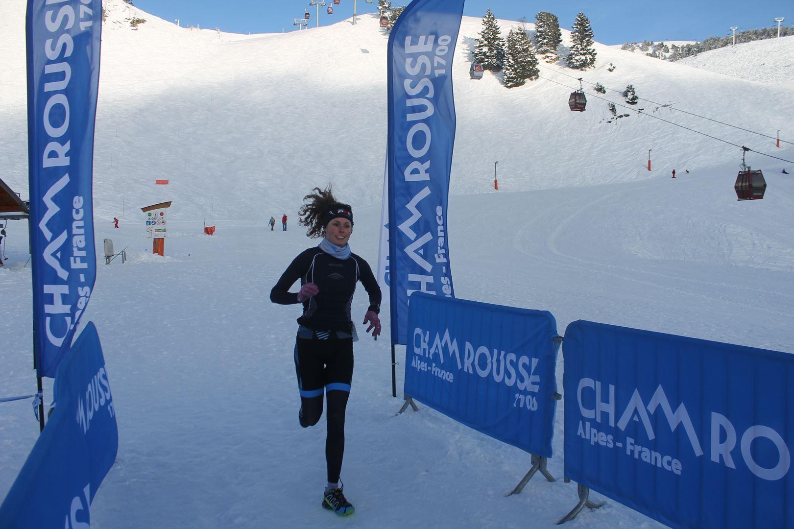 Céline Fauth à larrivée remporte le 8km - WITT: RESULTATS, PHOTOS ET COMPTE RENDU DU TRAIL BLANC DE CHAMROUSSE 01-04-2018