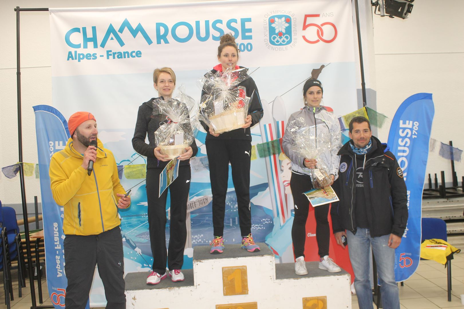 podium filles du 8km - WITT: RESULTATS, PHOTOS ET COMPTE RENDU DU TRAIL BLANC DE CHAMROUSSE 01-04-2018