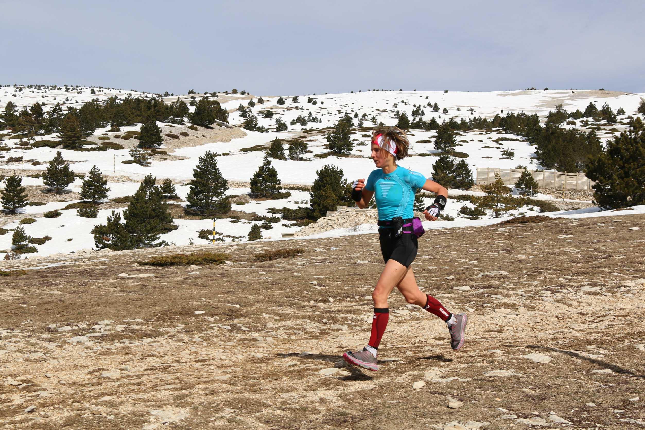 4 Caroline Chaverot deuxième 472 km photo Robert Goin IMG 6406 - Trail du ventoux 2014 : nouvelle vidéo !