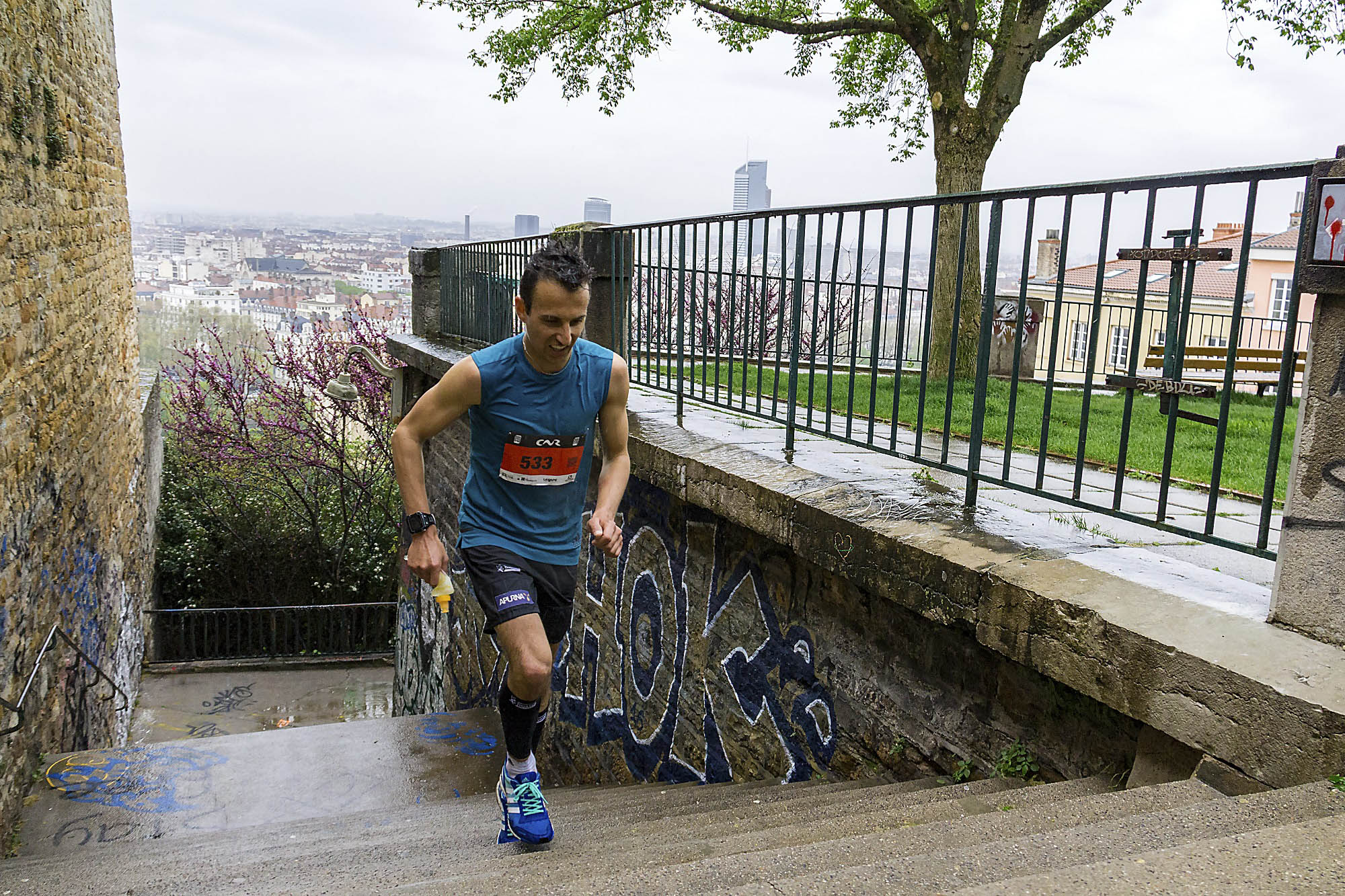 2 Sébastien Spehler photo Goran Mojicevic Passion Trail - RESULTATS ET COMMENTAIRES DU LYON URBAN TRAIL 2017 (par Robert Goin)