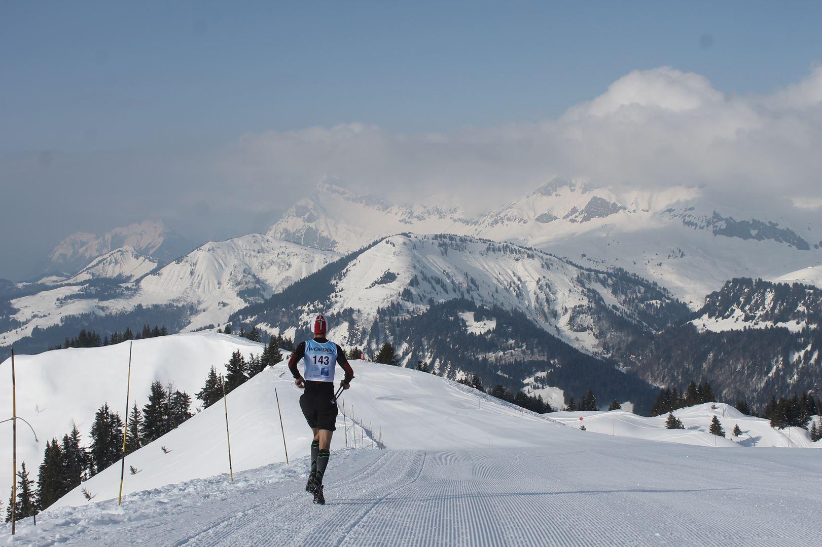 Alexandre Pélliccier de dos à la Torraz 1 - RESULTATS PHOTOS ET COMPTE RENDU DU 9EME ARAVIS SNOW TRAIL (La Giettaz73) 25-03-2018