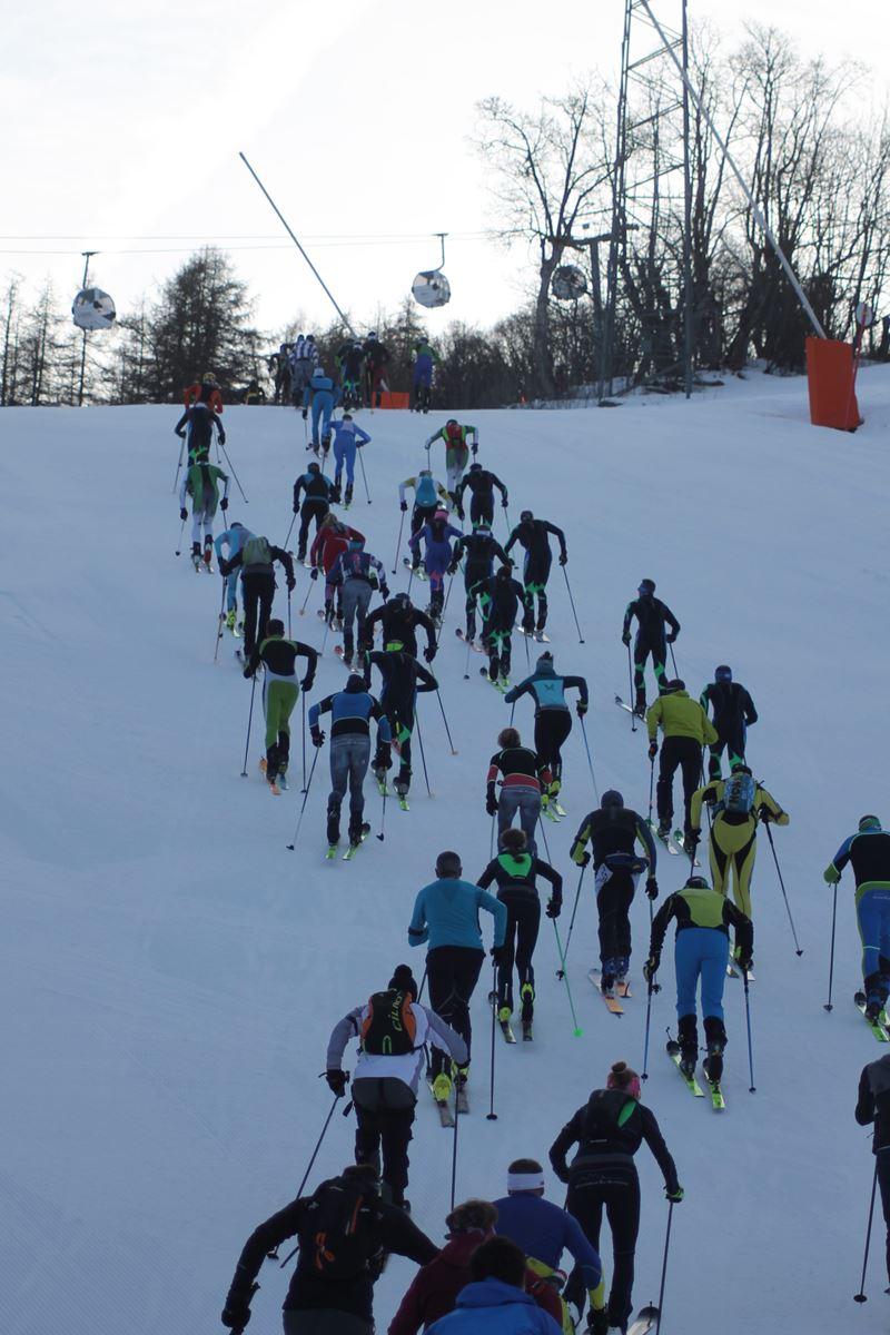 dynafit ^peu après le départ - Résultats de la 3ème édition du Valloire Dynafit Vertical (ski alpi) 04/01/2020